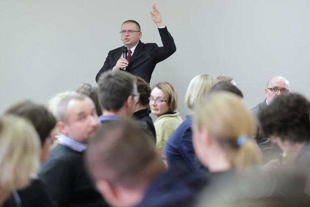 """""""Adwokatura polska wyraża solidarność oraz składa wyrazy uznania wszystkim sędziom, którzy mimo różnego rodzaju szykan niezłomnie stoją na straży godności zawodu sędziego, niezależności sądów i niezawisłości sędziów"""" - dodano w uchwale NRA."""