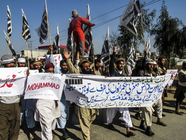 """Protesty muzłumanów po publikacjach w """"Charlie Hebdo"""""""