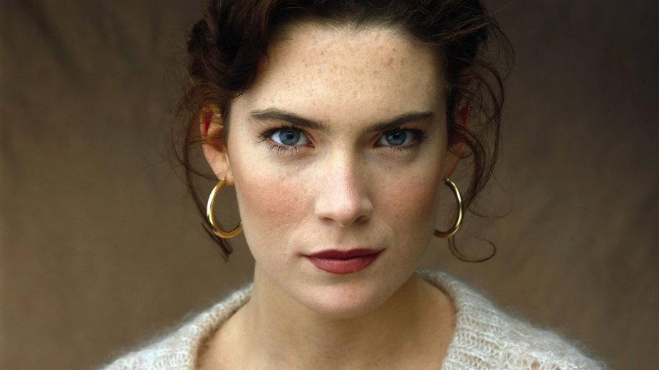 Lara Flynn Boyle (1990)