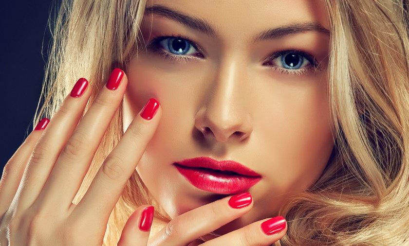 Jak uratować zniszczone paznokcie? Tanie i skuteczne sposoby