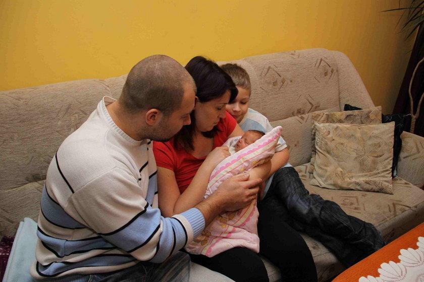 Córeczki przyszły na świat w listopadzie 2015 roku