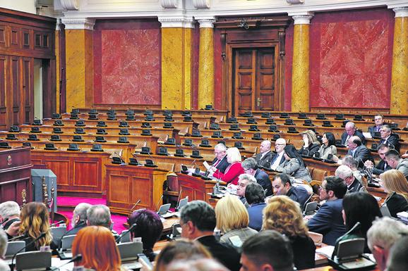 Opozicija i dalje bojkoture rad parlamenta