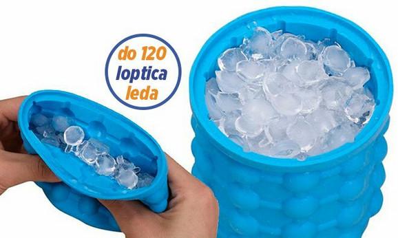 Silikonska posuda sa kockama leda