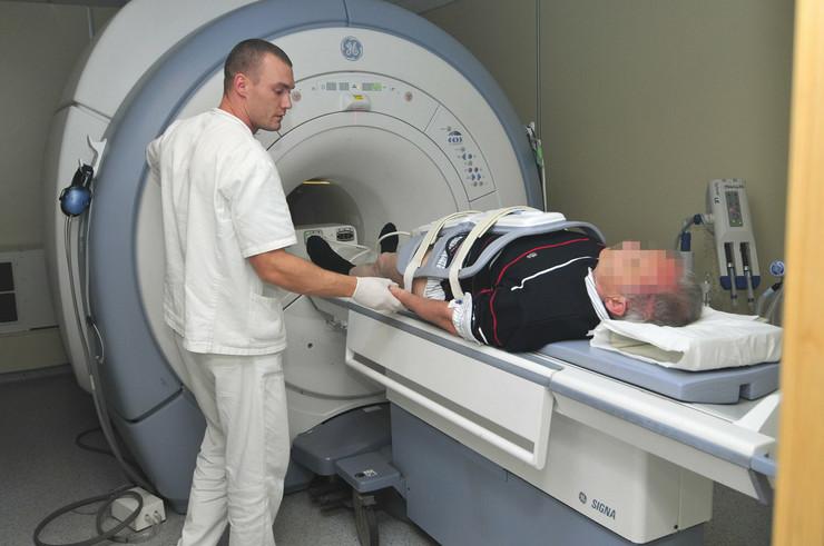 529127_novi-sad-1633-magnetna-rezonanca-radiologija-klinicki-centar-poliklinika-foto-robert-getel