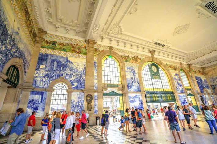 Sao Bento Station interior