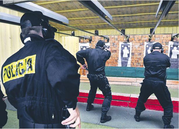 Skąpy program szkoleń nie pozwala kandydatom zżyć się z bronią – mówią eksperci Fot. Tomasz Jodłowski/Fotorzepa