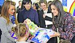 TAMARA VUČIĆ SA SUPRUGOM JAPANSKOG PREMIJERA Donacija od 80.000 evra Institutu za majku i dete