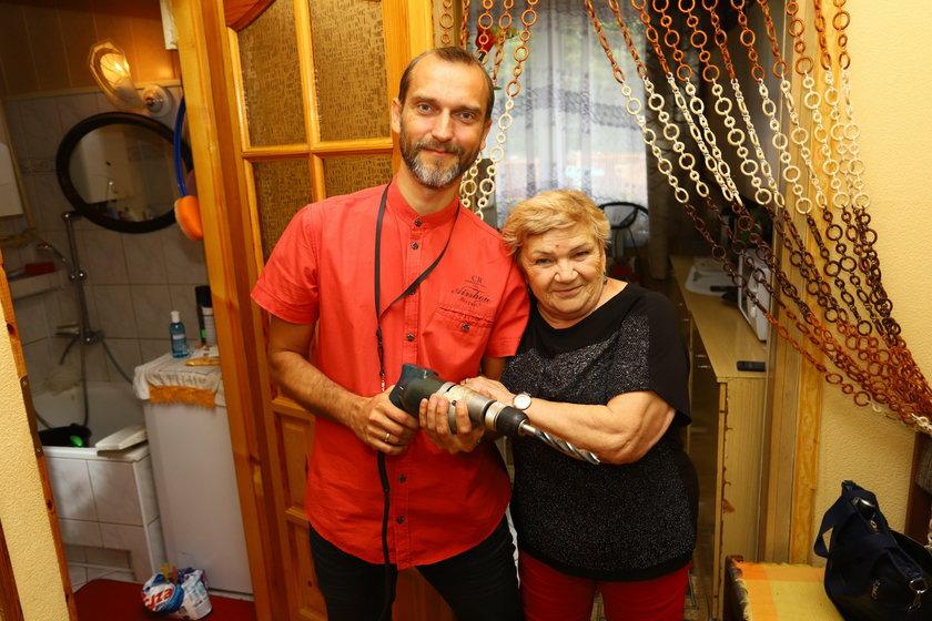 Pan Złota Rączka pomaga seniorom