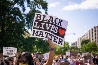 Postrzelenie aktywistki Black Lives Matter. Brytyjska policja: Nic nie sugeruje zamierzonego ataku