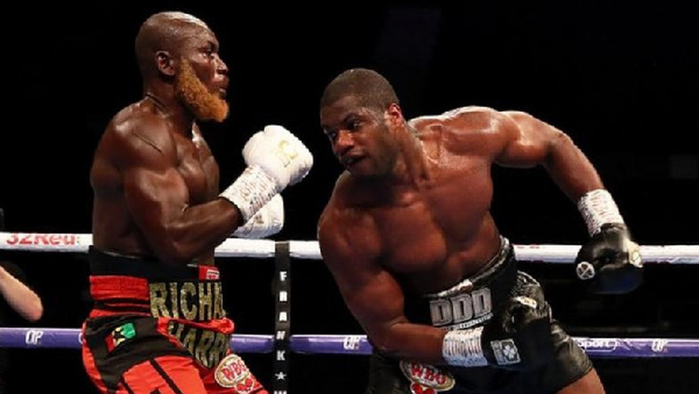 Daniel Dubois (right) sent Richard Lartey to the canvas with a powerful right hand