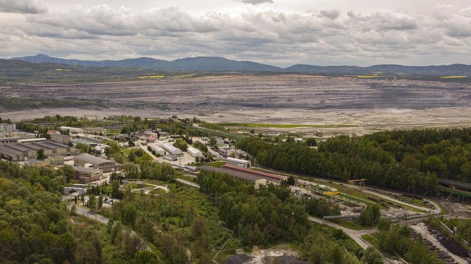 Widok z drona na Kopalnię Węgla Brunatnego Turów w Bogatyni