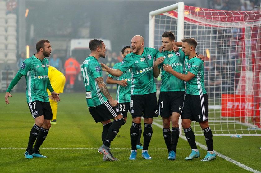 Napastnik Legii Jarosław Niezgoda może już zapomnieć o początku sezonu, kiedy z boku przyglądał się, jak jego drużyna walczyła w europejskich pucharach