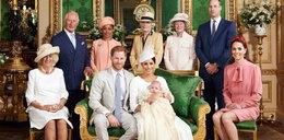 To zdjęcie z chrztu Archiego mówi wszystko. Kate chciała to ukryć...