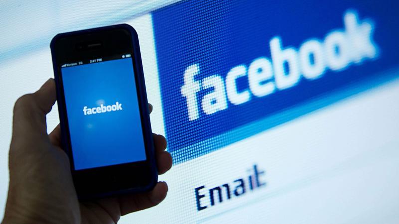 Coraz więcej ingerencji władz w działalność Facebooka