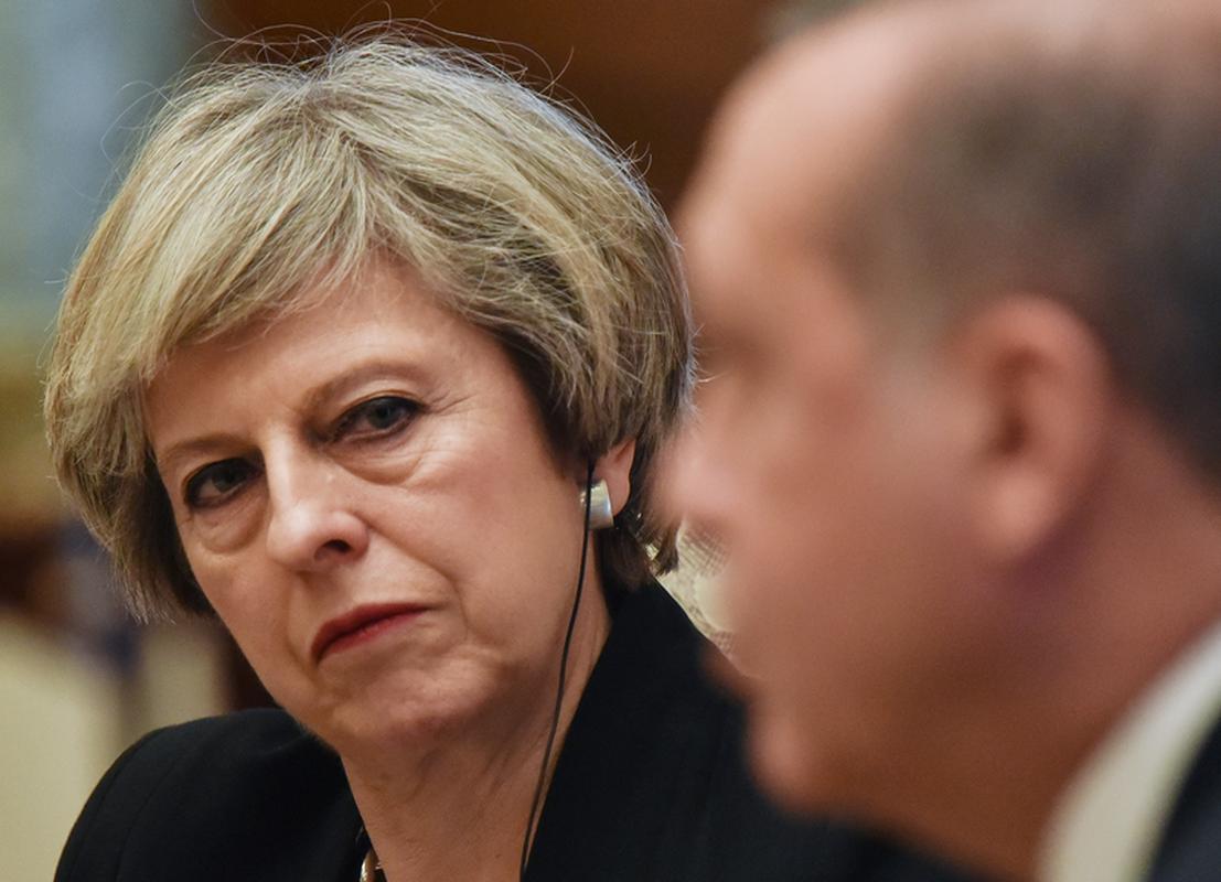 Od 13 lipca 2016 roku premierem Wielkiej Brytanii jest Theresa May, której głównym zadaniem jest wyprowadzenie Zjednoczonego Królestwa z UE