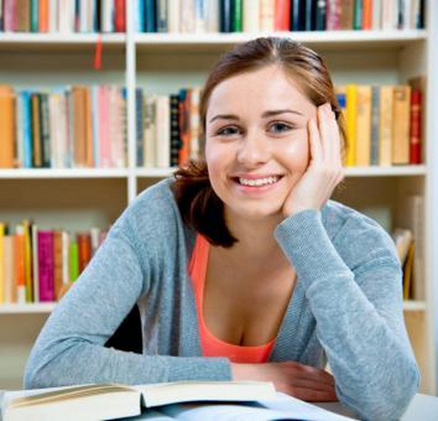 Eksperci wskazują, że szkoła wyższa ma prawo domagać się zapłaty jedynie za świadczenia, z których student korzystał.
