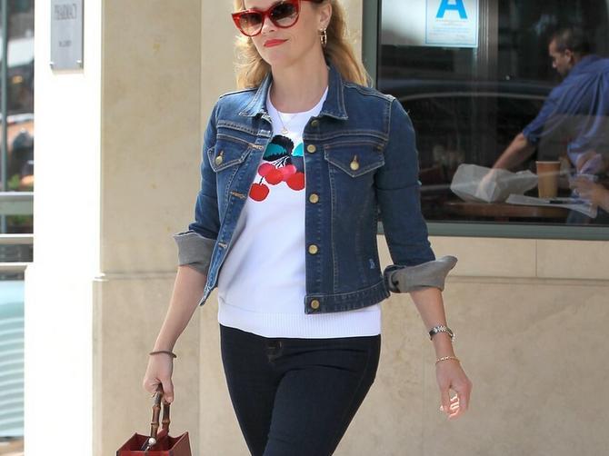 Klasična teksas jakna je vodeći trend: U OVAKVOJ kombinaciji ne možete da pogrešite!