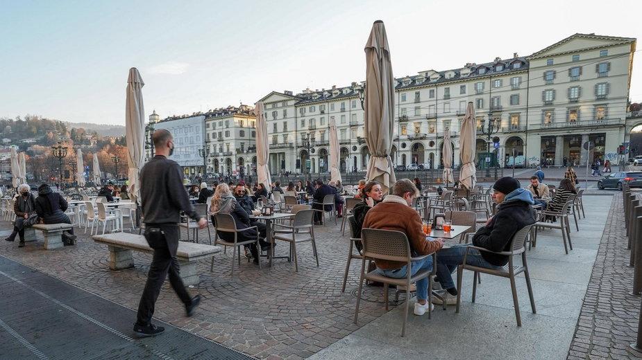 """""""Ja otwieram"""" - to hasło akcji 50 tysięcy właścicieli barów i restauracji we Włoszech"""
