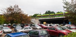 Zabiorą darmowe miejsca parkingowe
