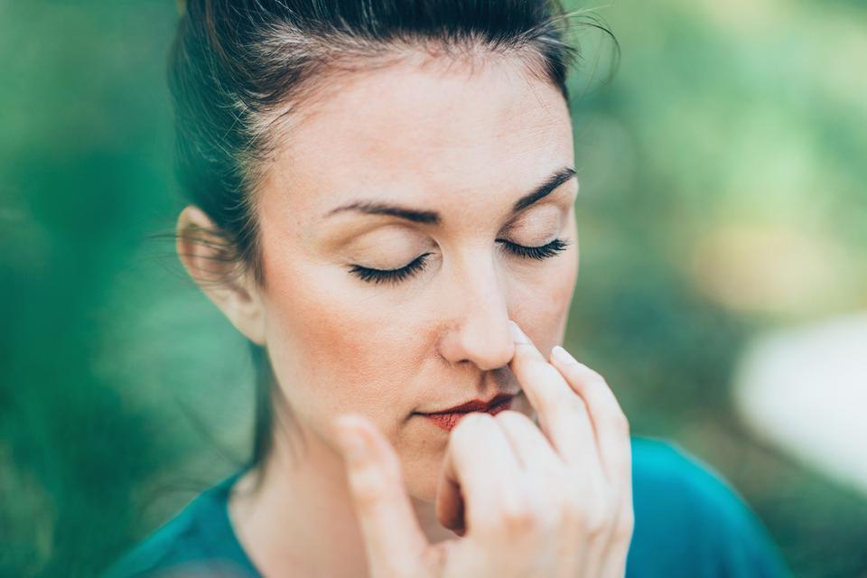 Wstrzymuj oddech, kiedy ktoś obok kicha lub kaszle