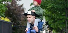 Maciej Zakościelny pozwolił wejść synowi na głowę. FOTO
