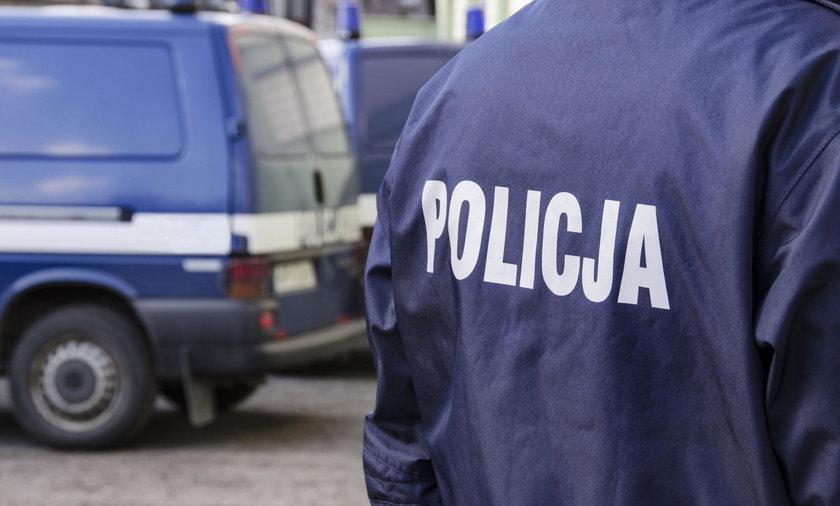 38-letni mężczyzna zaatakował nożem ekspedientkę w sklepie w Ostrowcu