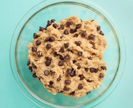 Für den Food-Trend Cookie Dough Bread brauchst du nur 4 Zutaten