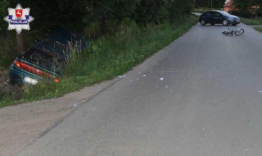 Auto po uderzeniu wylądowało w przydrożnym rowie