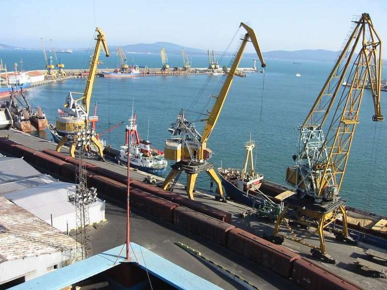 Bulgaria port (shipspotting)