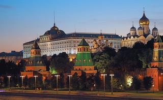 Kreml: Kredyt dla Mińska nie jest ingerencją w sprawy Białorusi