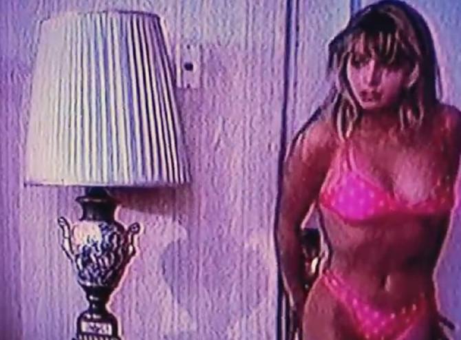 Prva dama u bikiniju