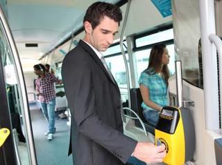Przedłużenie ważności karty warszawiaka w biletomacie może oznaczać kontrolę