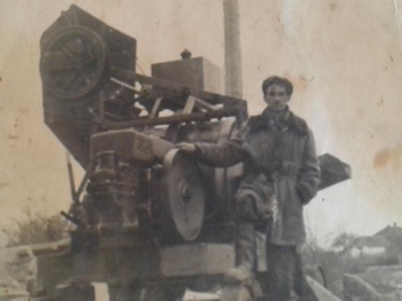 Luka Lazić dobio je 1900. dozvolu za vožnju lokomobila