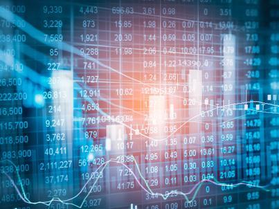Na szerokim rynku mocnymi spadkami wyróżnił się Qumak, którego akcje staniały o 10,4 proc. do 1,39 zł