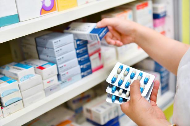 Konflikt między indywidualnymi farmaceutami, których reprezentuje samorząd aptekarski, a sieciami, które są reprezentowane przez duże organizacje pracodawców, trwa od wielu lat