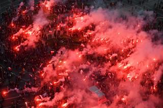 Warszawa: Jest śledztwo ws. pożaru podczas Marszu Niepodległości. Zniszczone są dwa mieszkania