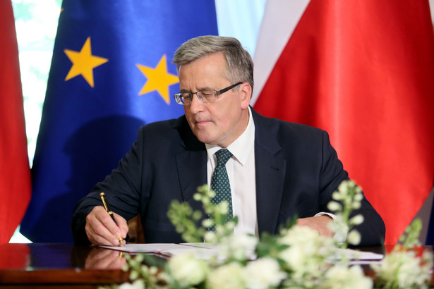 Podpisane przez prezydenta rozporządzenie musi jeszcze uzyskać kontrasygnatę premiera.