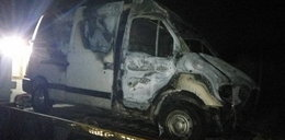 Kierowcę ratowano z płomieni. Zdjęcia