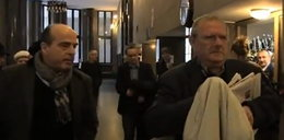 Jak Pospieszalski gonił Michnika i pytał go o brata. FILM z szarpaniną w sądzie