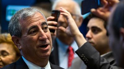 Billionaire dealmaker Ken Moelis says Wall Street pay raises for junior bankers are just getting started