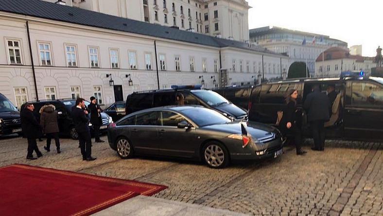 Prezydent Francji przesiadł się do nieopancerzonego Citroena C6. Tę limuzynę podstawił ambasador Francji