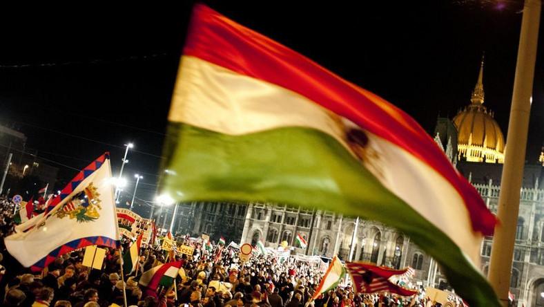 Wiec poparcia dla premiera Viktora Orbana w Budapeszcie