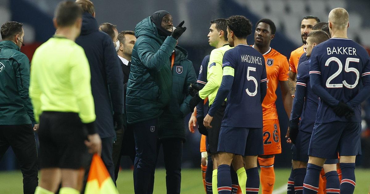 Liga Mistrzów: PSG - Basaksehir przerwany. Sędzia oskarżony o rasizm  - Sport