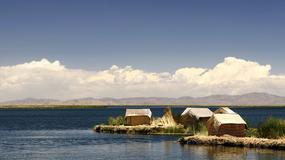 Wyspy Uros na Titicaca – wolność płynąca z jeziora
