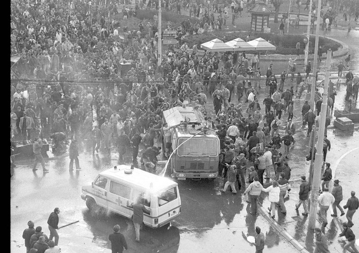 19512_demonstracije-9-mart-blic