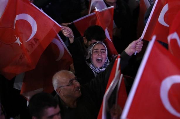 Tak jak wcześniej największe demonstracje odbyły się w Stambule, Ankarze i Izmirze.