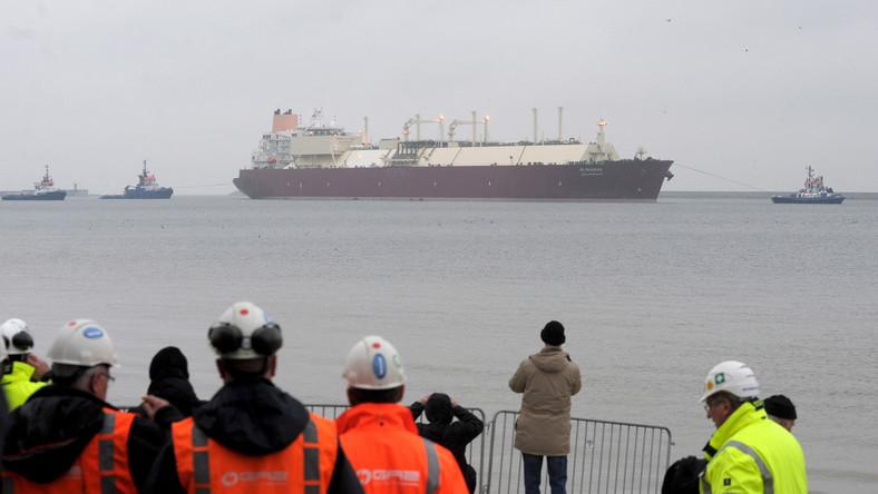 Kolejny transport techniczny skroplonego gazu dotrze do Świnoujścia w lutym 2016 roku. Początek komercyjnej eksploatacji terminalu LNG zaplanowano na połowę przyszłego roku.