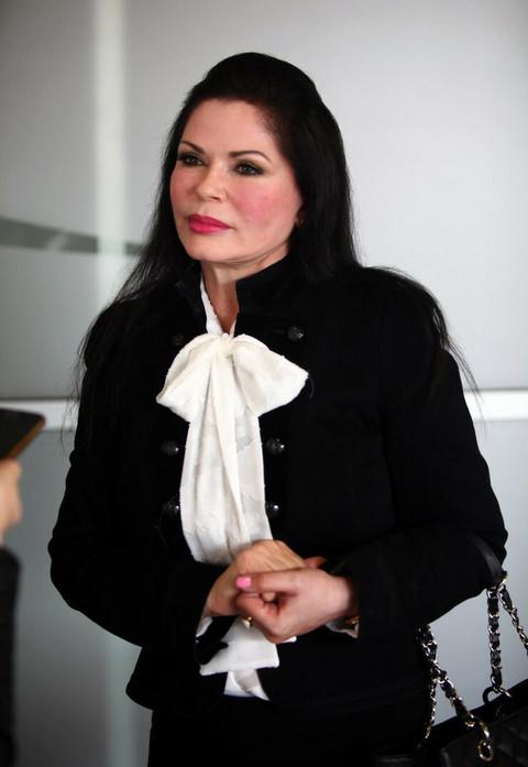Miroslav Ilić je izbegao saslušanje za utvrđivanje očinstva, Mirjana Antonović objavila njegovu fotografiju i napisala: Pobeže čovek!