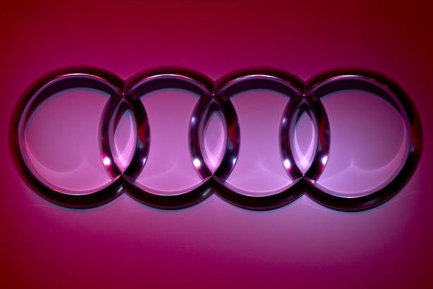 Gdzie czterech się bije, tam klient korzysta. Audi, BMW, Volvo i Mercedes dosłownie przebijają się ofertami, by ściągnąć do salonów jak najwięcej klientów.