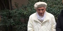 """Stan zdrowia Benedykta XVI się pogarsza. """"Pielgrzymuję do domu Ojca"""""""